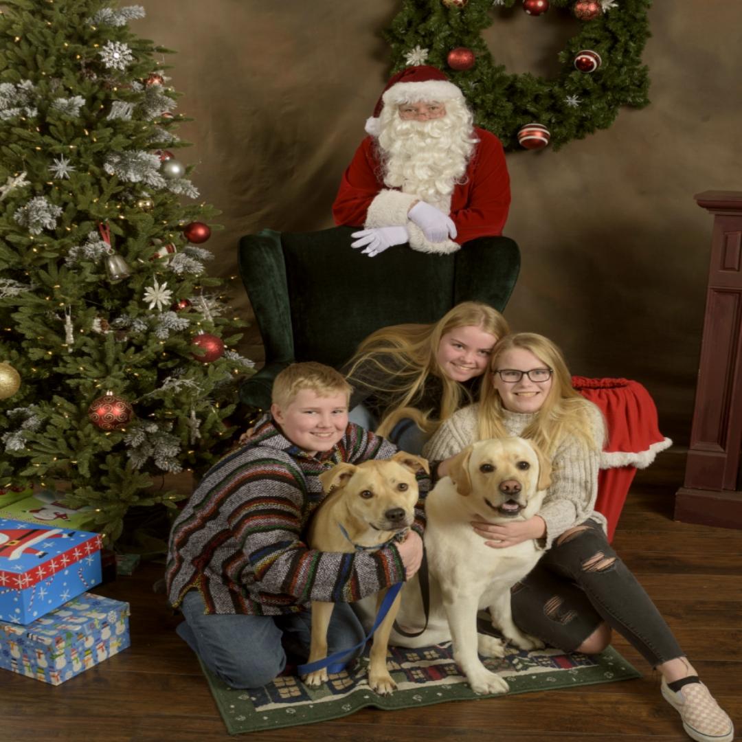 Northshore Santa photos by NW Santa Photos - Bothell, Kenmore, Woodinville and Mill Creek